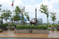 pony_statue